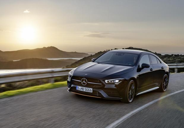 Mercedes, presentata la nuova CLA Coupé e Shooting Brake 04