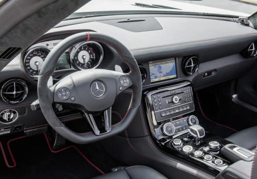 Mercedes SLS AMG GT Roadster interni