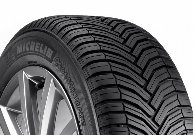 Michelin CrossClimate battistrada a V
