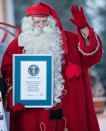 Mini goes to Santa Claus Guinness World Records Certificate