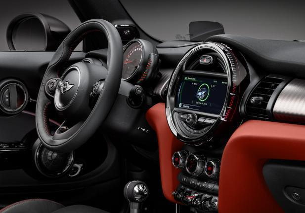 Mini John Cooper Works Cabrio interni