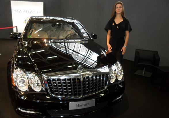 motor show 2011 bella ragazza maybach