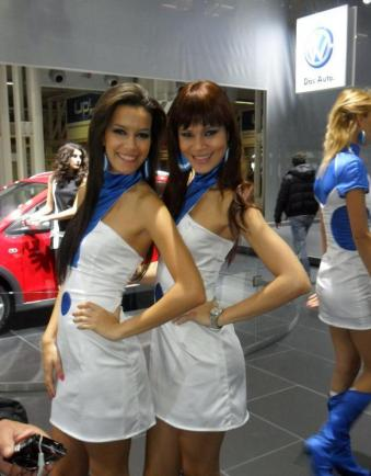 motor show 2011 standiste sexy