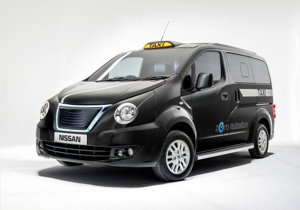 Nissan eNV200 London Taxi tre quarti anteriore