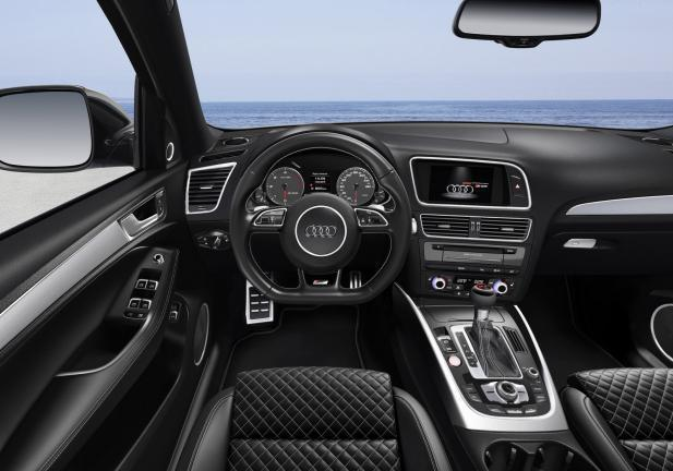 Nuova Audi SQ5 Plus interni