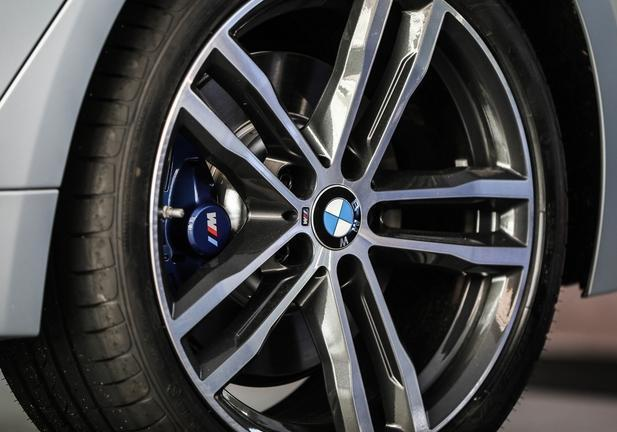 Nuova BMW Serie 4 ICONIC EDITION 4 ruote