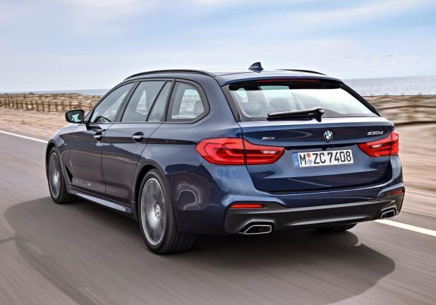 Nuova BMW Serie 5 Touring tre quarti posteriore