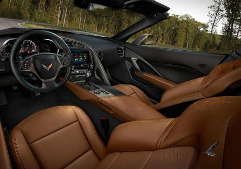Nuova Chevrolet Corvette Stingray 2014 interni in pelle marrone