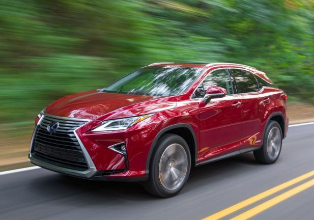 nuova Lexus RX tre quarti in movimento
