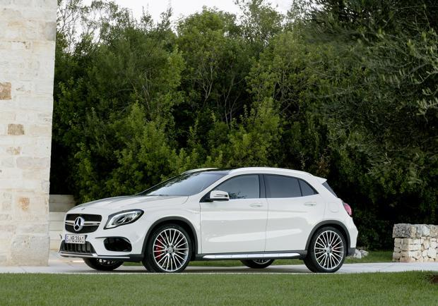 Nuova Mercedes-AMG GLA 45 4Matic restyling 2017 4