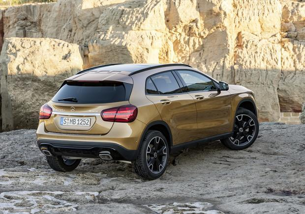 Nuova Mercedes-Benz GLA restyling 2017 2