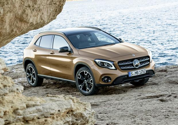 Nuova Mercedes-Benz GLA restyling 2017
