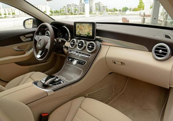 Nuova Mercedes C 250 BlueTEC Station Wagon interni