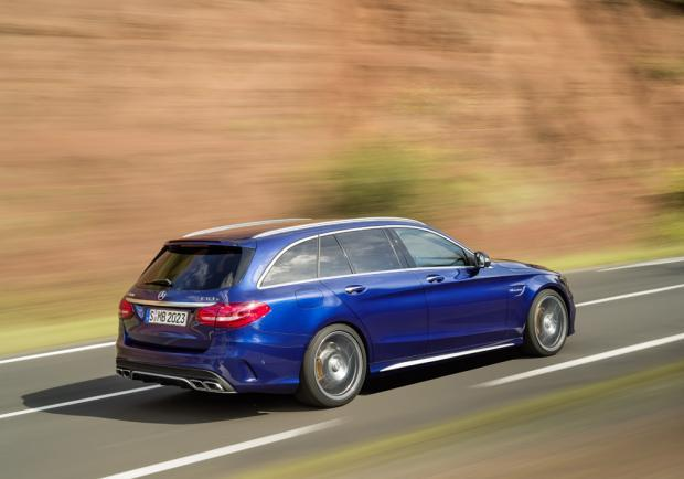 Nuova Mercedes C63 AMG Station Wagon 2015