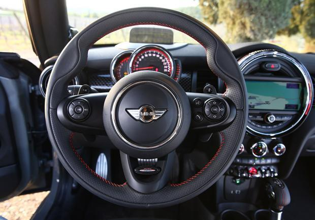Nuova Mini John Cooper Works 2015 interni