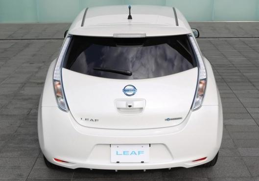 Nuova Nissan Leaf my 2013 posteriore