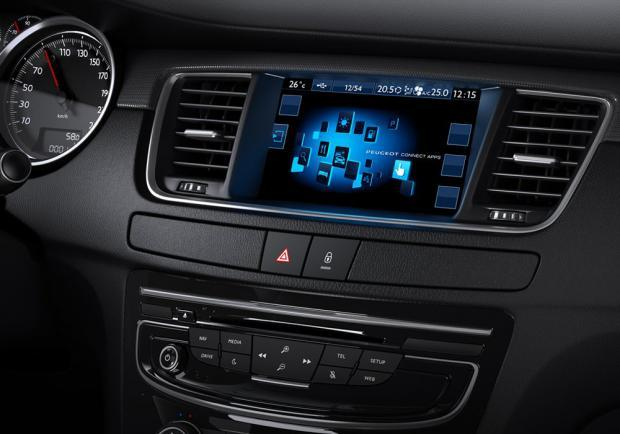 Nuova Peugeot 508 RXH display touch screen