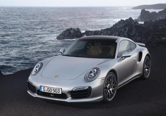 Nuova Porsche 911 Turbo S design