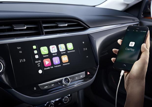 Foto Opel Corsa 2019 schermo touch interni - Patentati