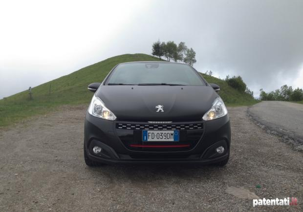 Peugeot 208 GTi by Peugeot Sport anteriore