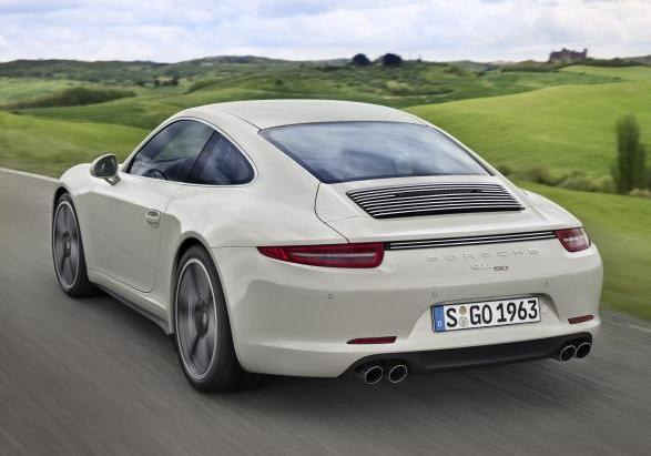 Porsche 911 50 Years Edition tre quarti posteriore