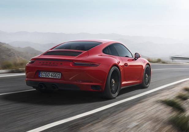 Porsche 911 GTS Rossa posteriore