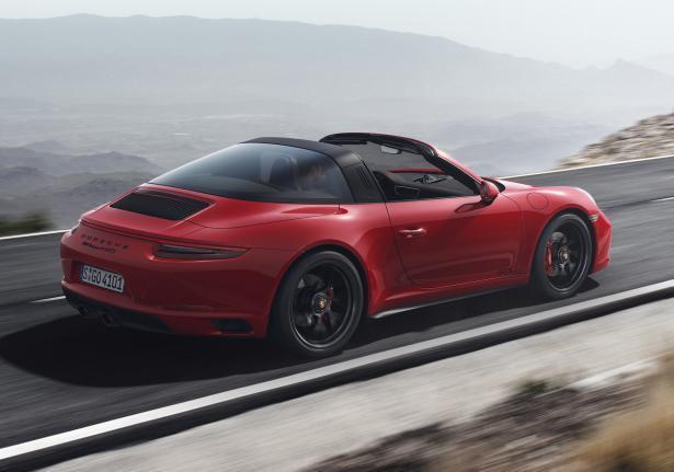 Porsche 911 GTS Traga rossa