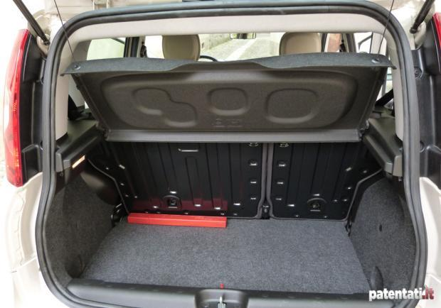 Prova Fiat Panda Natural Power bagagliaio