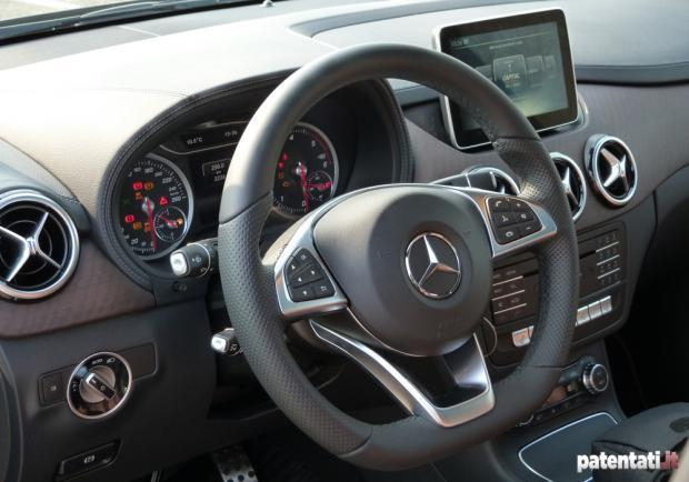 Prova Mercedes B200 CDI 4Matic interni