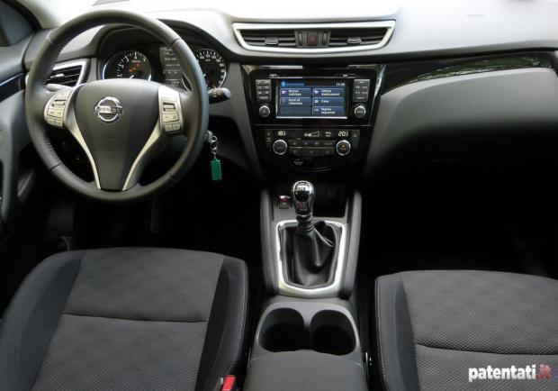 Foto Prova Nissan Qashqai Interni Patentati