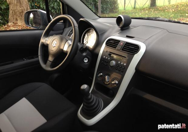 Prova Suzuki Splash 1.2 interni