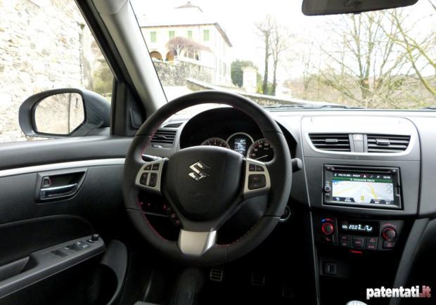 Prova Suzuki Swift Sport interni