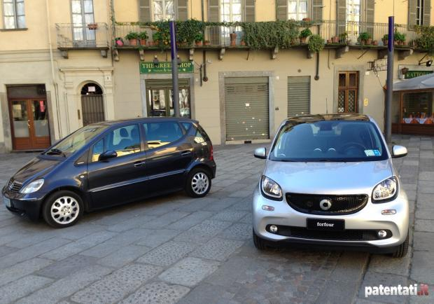 Smart Forfour 90 Turbo e vecchia Mercedes Classe A
