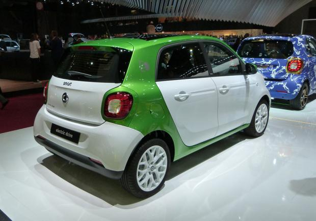 Smart Forfour Electric Drive al Salone di Parigi 2016 2