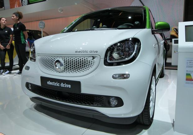 Smart Forfour Electric Drive al Salone di Parigi 2016 3
