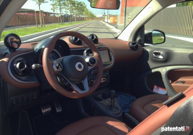 Smart Fortwo Cabrio Turbo Brabus Tailor Made interni