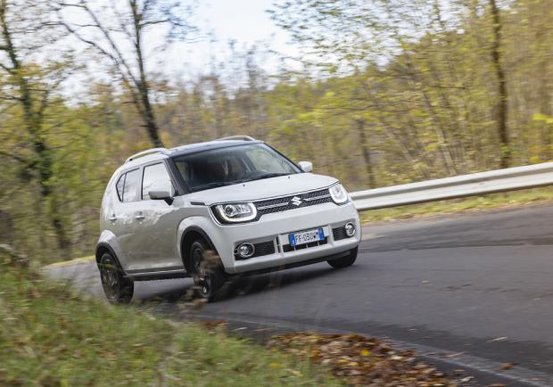 suzuki ignis la prova della mini suv con prezzi da euro patentati. Black Bedroom Furniture Sets. Home Design Ideas