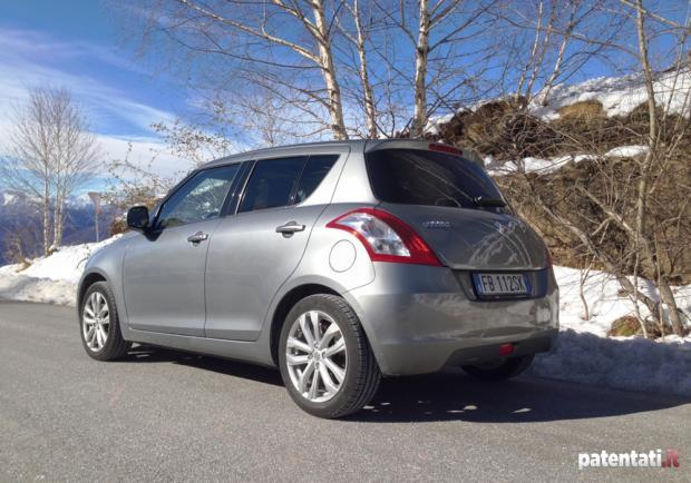 Suzuki Swift 1.2 VVT GPL tre quarti posteriore