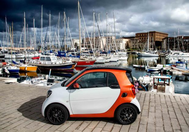 Test drive Smart Fortwo 70 automatic profilo