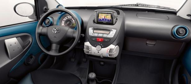 Toyota Aygo Cool Soda interni