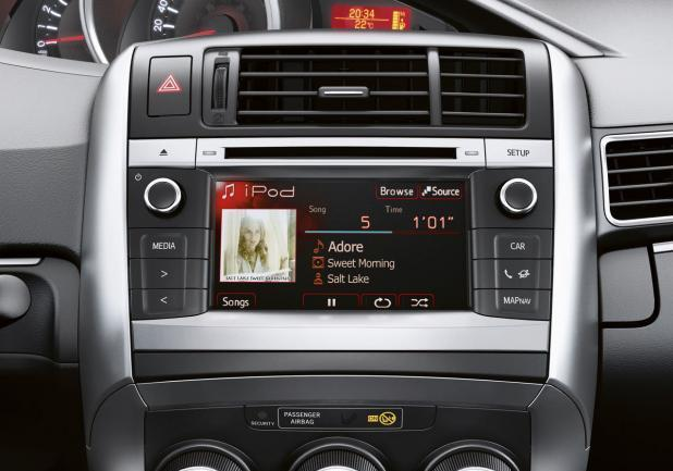 Toyota Verso restyling 2013 display touch screen