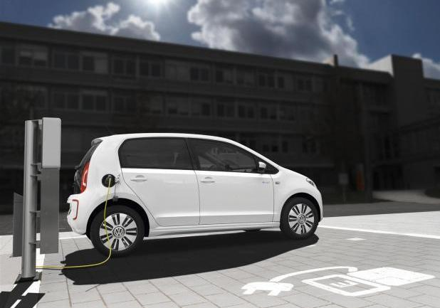 Volkswagen e-up! in carica