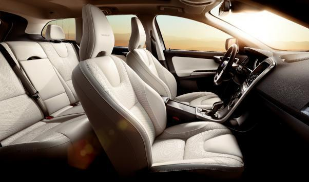 Volvo XC60 Inscription interni in pelle Marble White