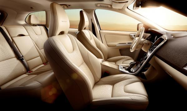 Volvo XC60 Inscription interni in pelle Soft Beige