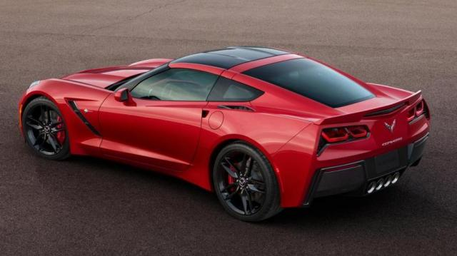 Corvette Stingray Coupé tre quarti posteriore