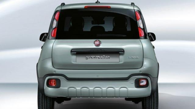 FIAT Panda City Cross Hybrid posteriore 1