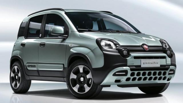 FIAT Panda City Cross Hybrid anteriore