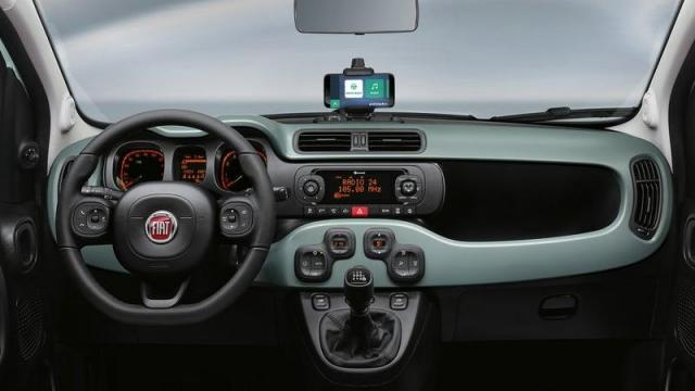FIAT Panda City Cross Hybrid interni