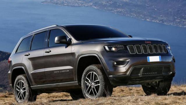 jeep grand cherokee listino prezzi 2018 consumi e dimensioni patentati. Black Bedroom Furniture Sets. Home Design Ideas