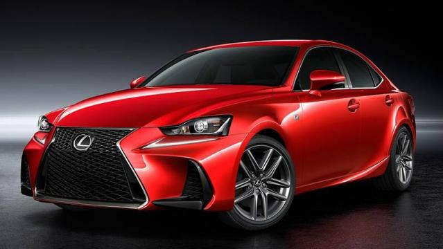 Lexus IS Hybrid anteriore